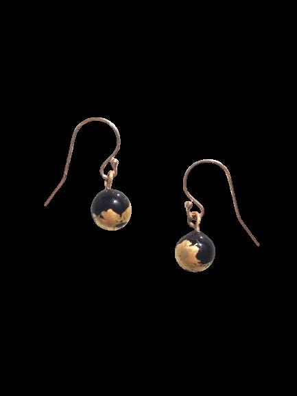 Boucles d'oreilles crochet noir et or par Marie Flambard